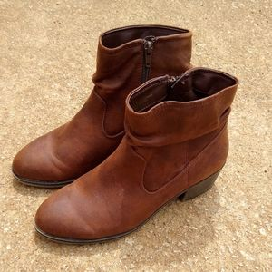 Size 8 Brown leather boots